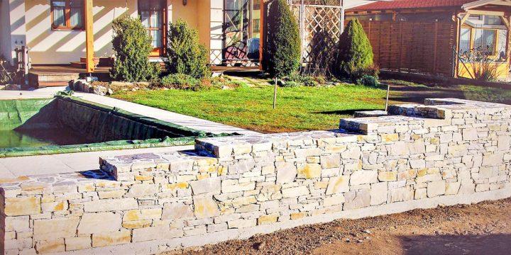 Stein: Eine Natursteinmauer – mit Ecken und Kanten!