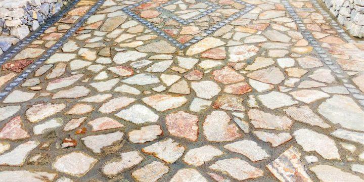 Stein: Anlage eines Weges mit Polygonalpflaster